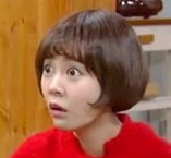 Ho Jeong looking startled at seeing her father on TV in episode 36 of My Daughter Seoyoung;