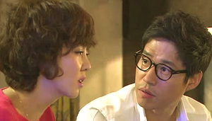 Kim Nam Joo and Yu Jun Sang having an emotional conversation;